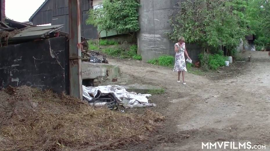 Old bitch Karin seduces farmer and gives him best ever blowjob in his life - 1. pic