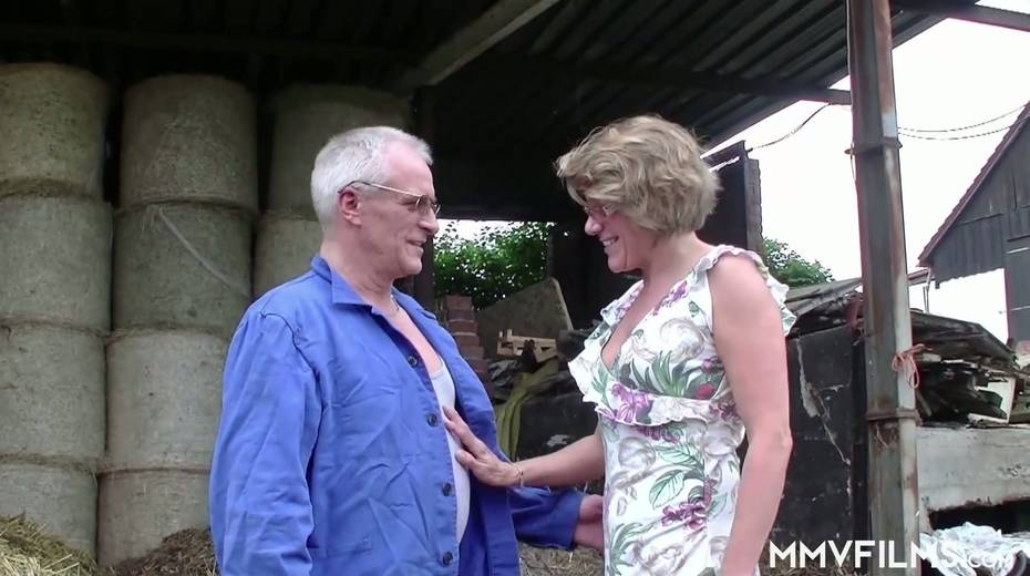 Old bitch Karin seduces farmer and gives him best ever blowjob in his life - 2. pic