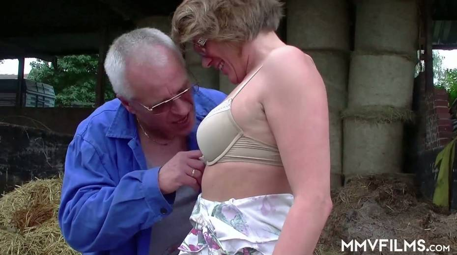 Old bitch Karin seduces farmer and gives him best ever blowjob in his life - 3. pic