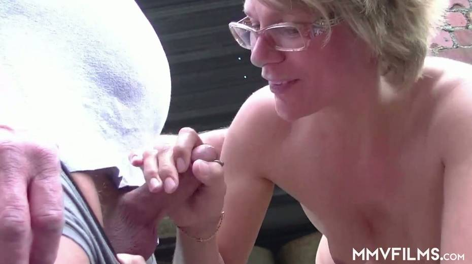 Old bitch Karin seduces farmer and gives him best ever blowjob in his life - 5. pic