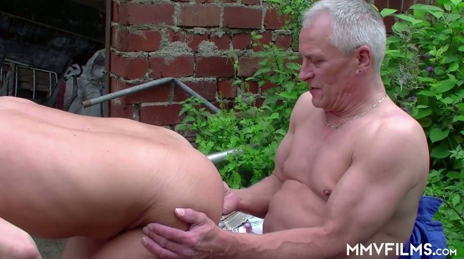 Old bitch Karin seduces farmer and gives him best ever blowjob in his life - 8. pic