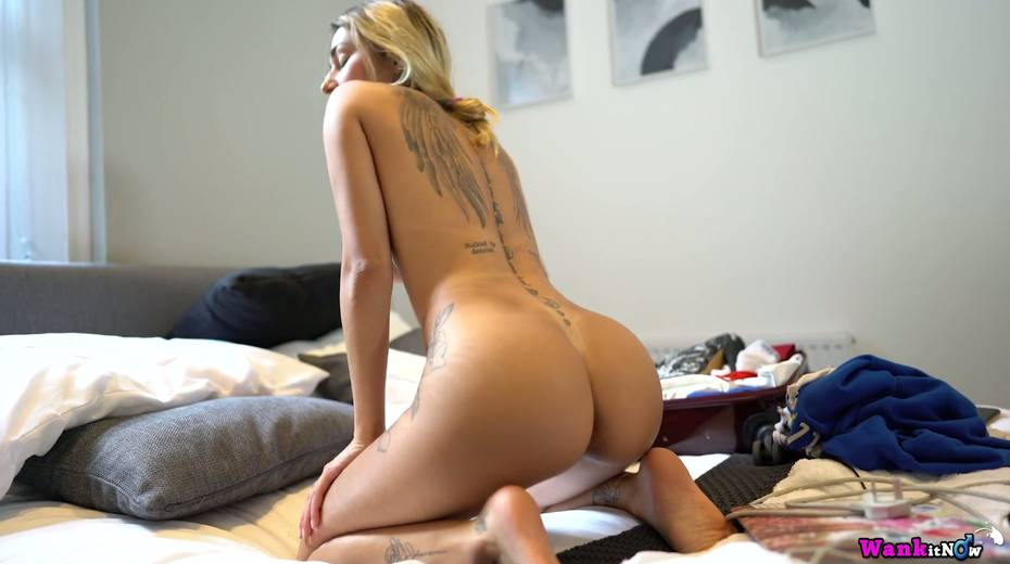 Nice girlfriend Selene gets anked and shows off several sexy tatts - 5. pic