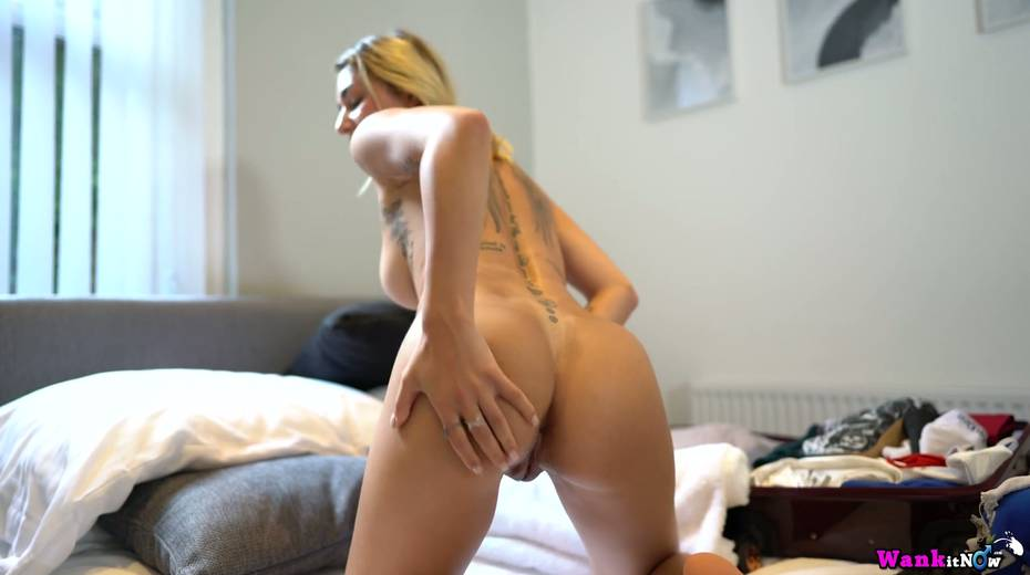 Nice girlfriend Selene gets anked and shows off several sexy tatts - 6. pic