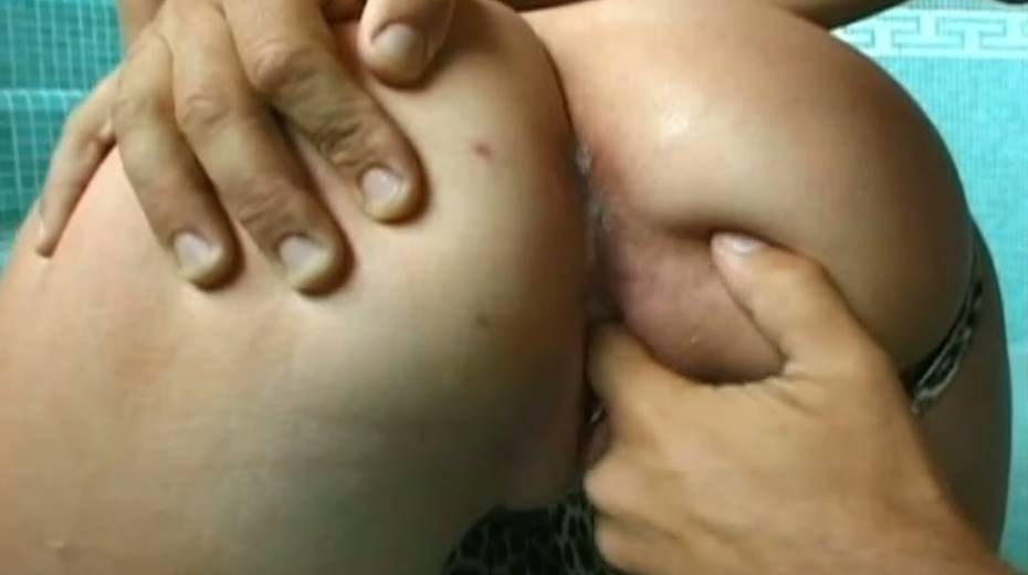 Porn actor Rocco Sifreddi analyzes red haired chick after blowjob sesison - 2. pic