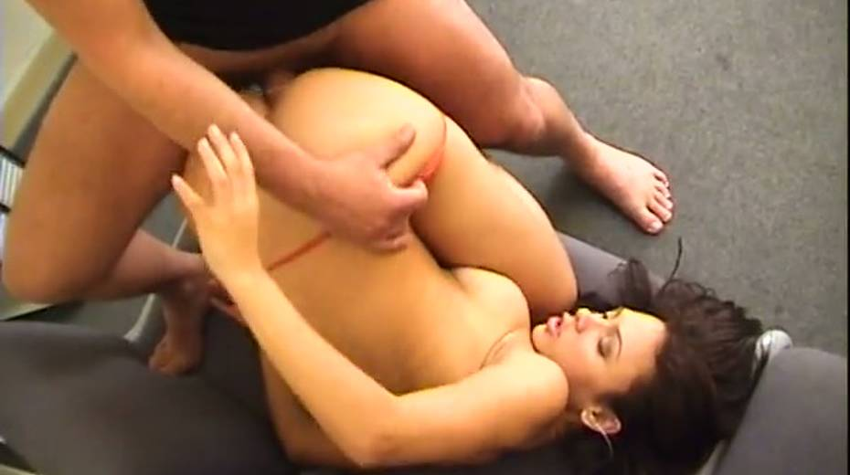 Feisty Latina hooker drilled deep in her butt doggystyle - 11. pic