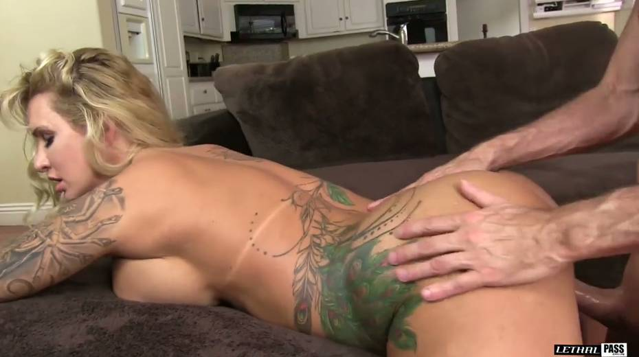 Bootylicious and big tittied harlot Ryan Conner gets laid like three's no tomorrow - 5. pic