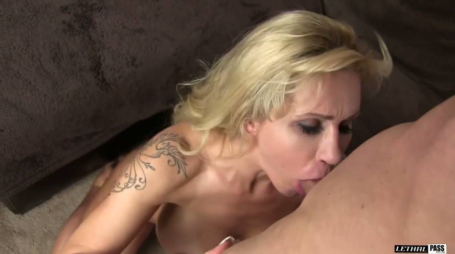 Bootylicious and big tittied harlot Ryan Conner gets laid like three's no tomorrow - 10. pic