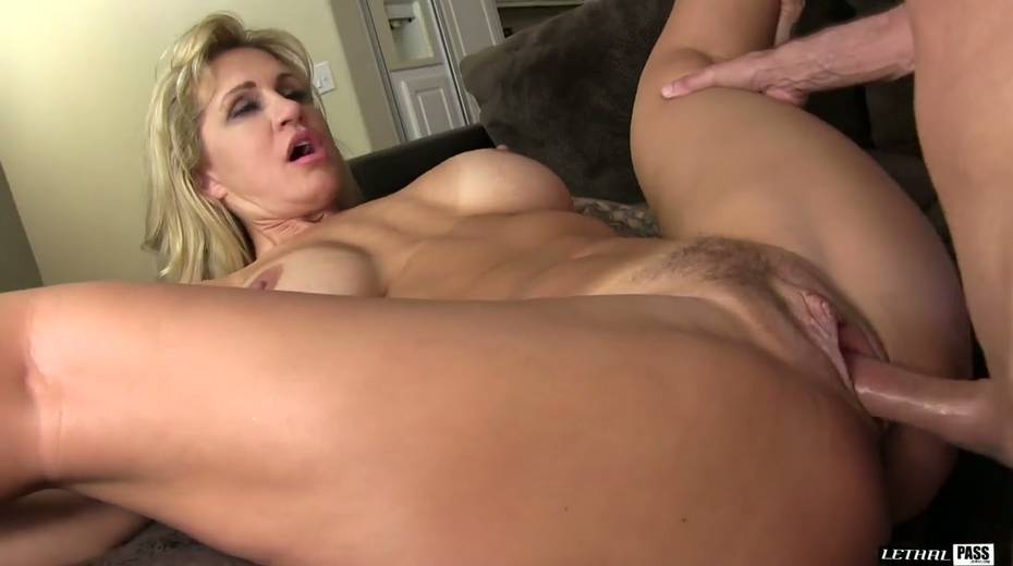 Bootylicious and big tittied harlot Ryan Conner gets laid like three's no tomorrow - 16. pic