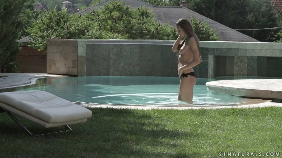 Small tittied babe Veronica Clark is making love by the poolside - 1. pic