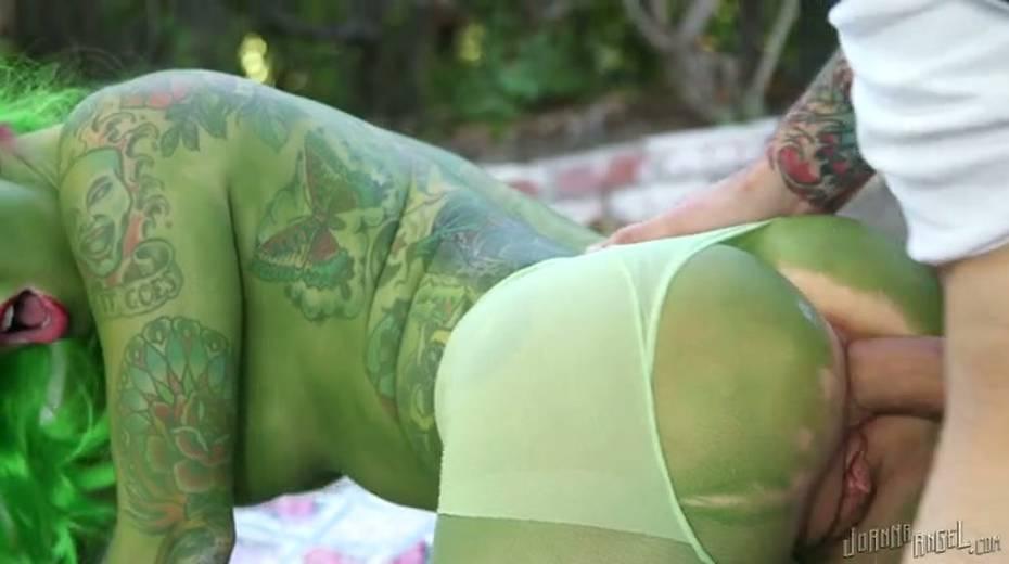 Grinch with boobs is gaped brutally outdoor - 8. pic