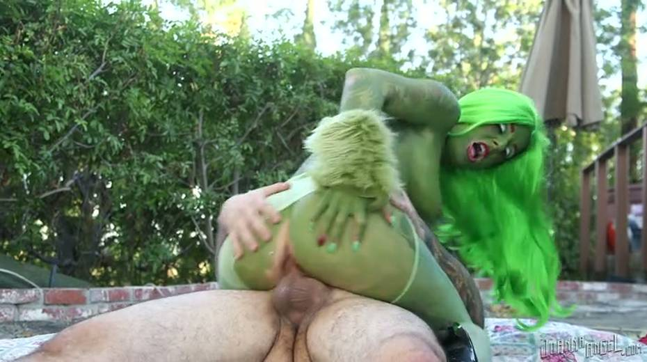 Grinch with boobs is gaped brutally outdoor - 14. pic