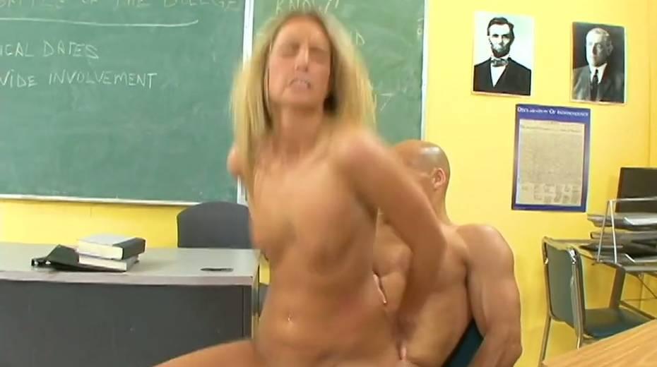 Lecherous student Kiara Diane seduces her bald headed teacher - 20. pic