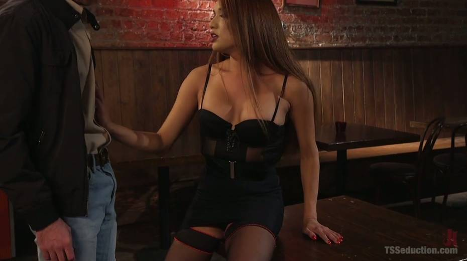 Seductive tranny with big boobs Jessica Fox fucks one dude - 1. pic
