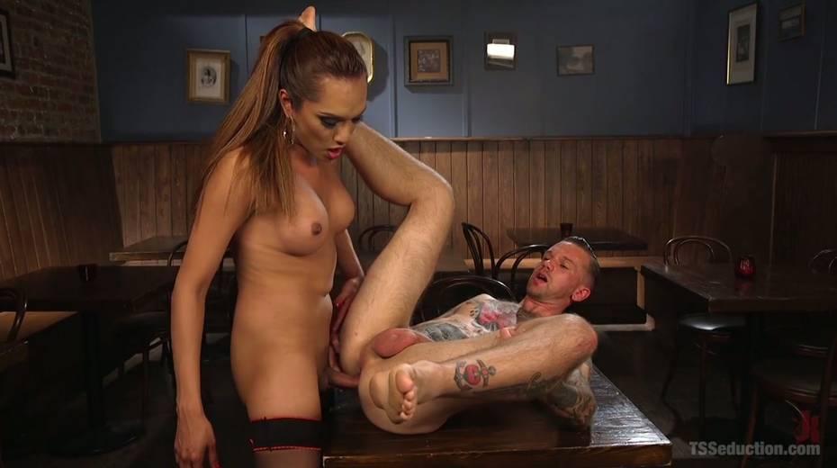 Seductive tranny with big boobs Jessica Fox fucks one dude - 6. pic