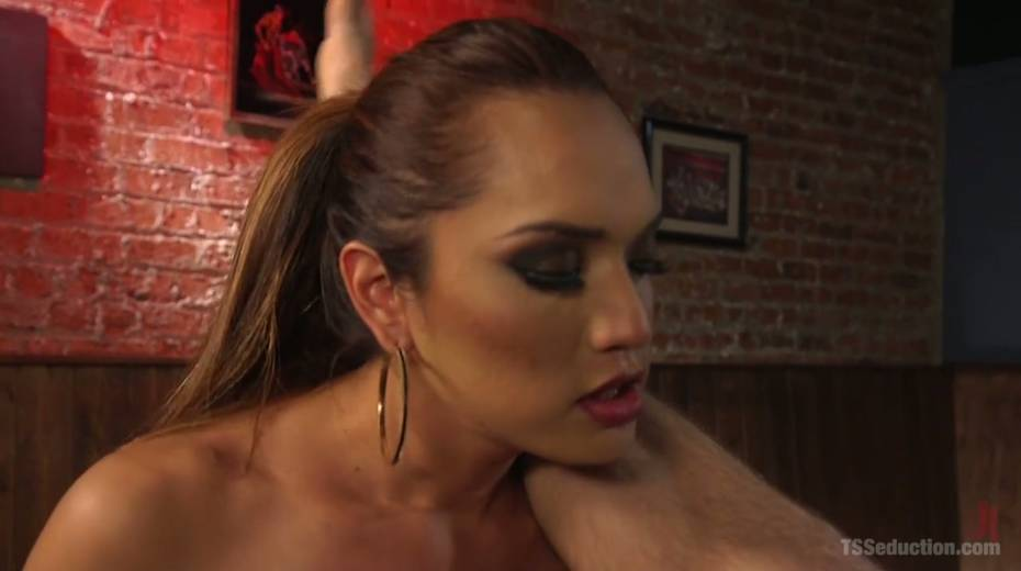 Seductive tranny with big boobs Jessica Fox fucks one dude - 10. pic