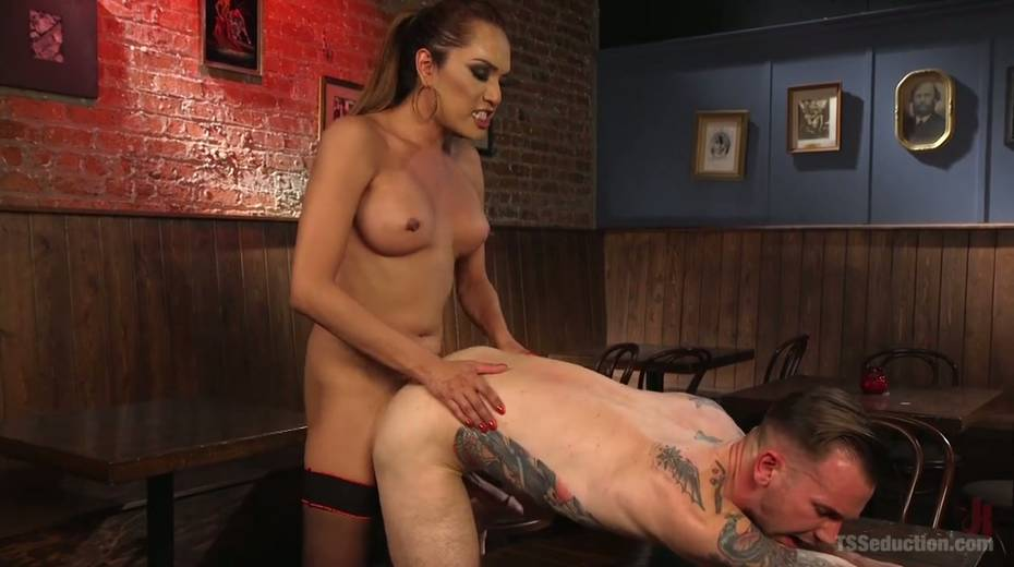Seductive tranny with big boobs Jessica Fox fucks one dude - 14. pic