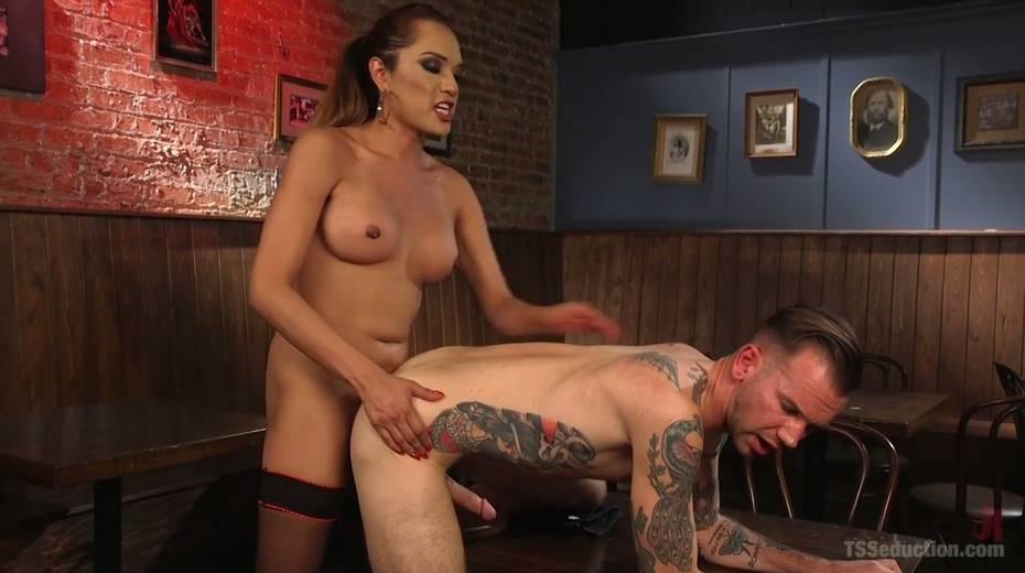 Seductive tranny with big boobs Jessica Fox fucks one dude - 15. pic
