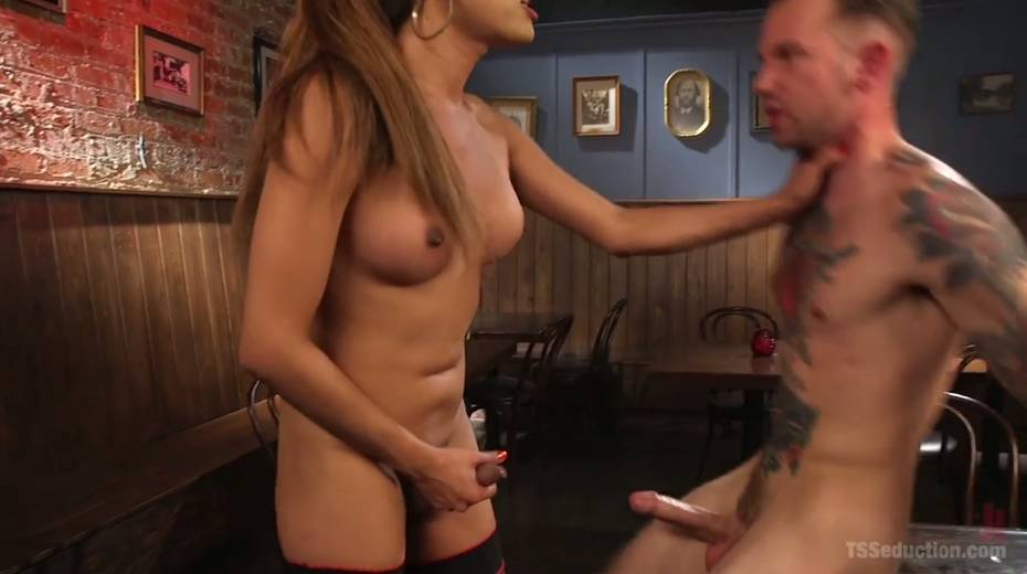 Seductive tranny with big boobs Jessica Fox fucks one dude - 23. pic