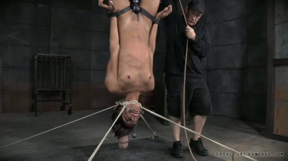 Vibrator and pussy plummets make titless chick exhausted - 6. pic