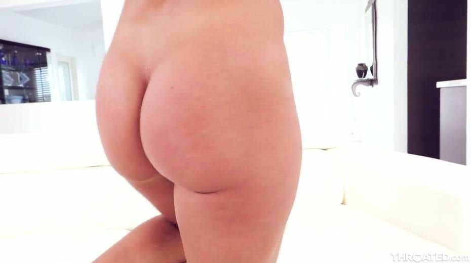 Blond slut Candice Dare swallows huge dick and gets messy facial - 26. pic