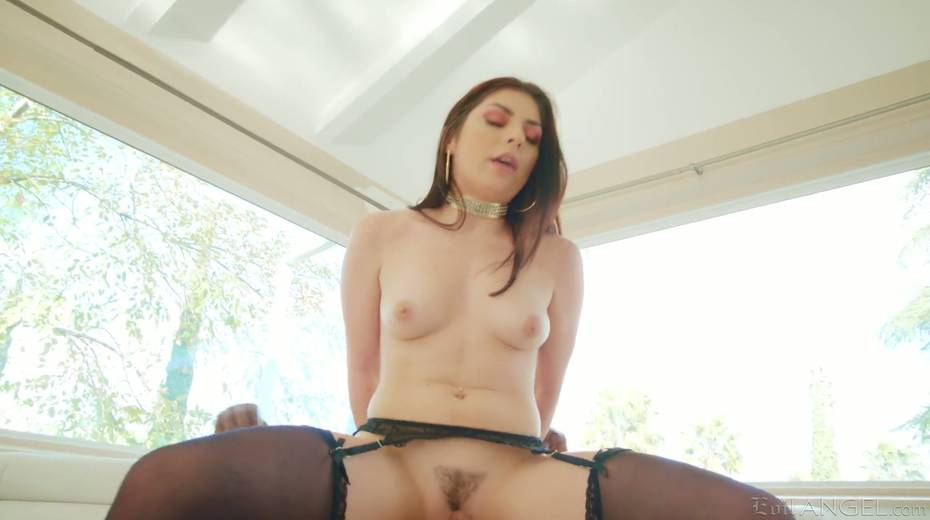 Big black phallus is everything Keira Croft anus desires right here and right now - 18. pic
