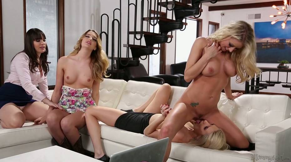 Attractive blond bitch Kenna James arranges a dirty lesbian orgy at home - 8. pic