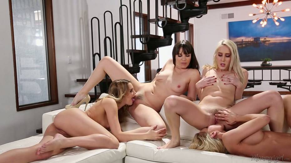 Attractive blond bitch Kenna James arranges a dirty lesbian orgy at home - 17. pic