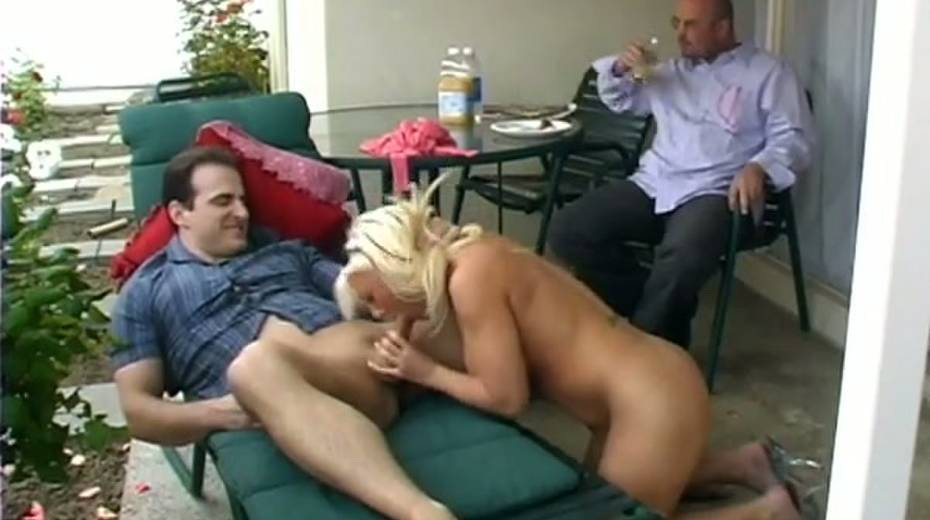 Alluring blonde slut Missy Monroe gets drilled in the patio - 3. pic