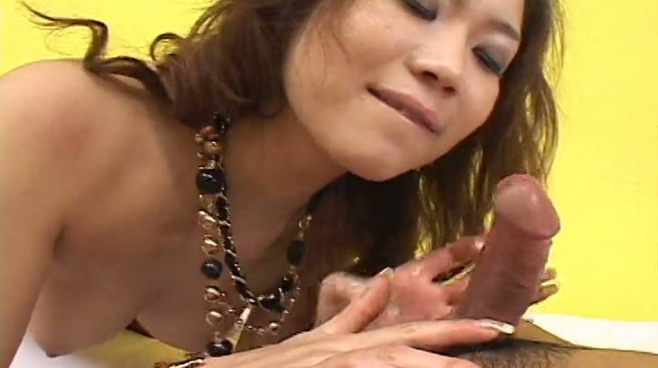 This Asian hoe is an expert at giving head and she loves being on top - 4. pic