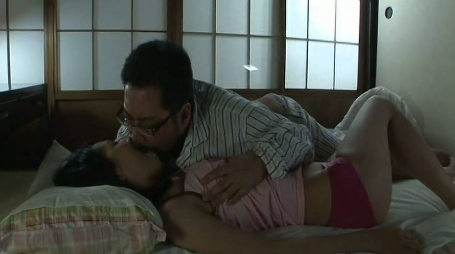 Dude licks her sweet Japanese punani and fucks it with fingers - 2. pic