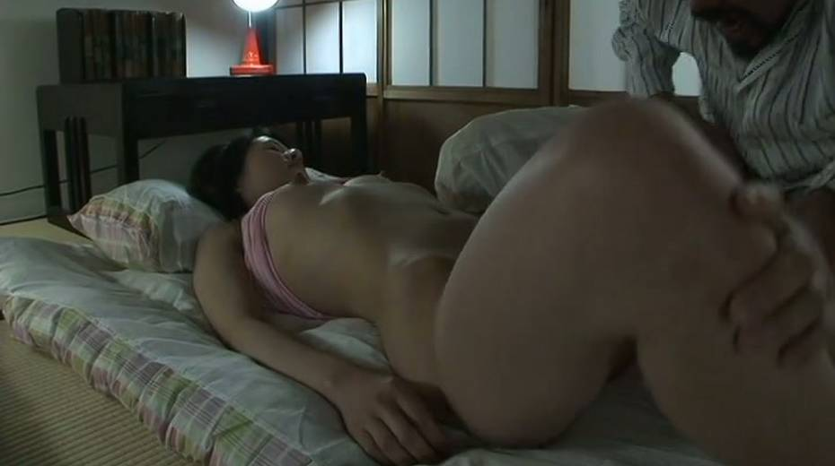Dude licks her sweet Japanese punani and fucks it with fingers - 4. pic