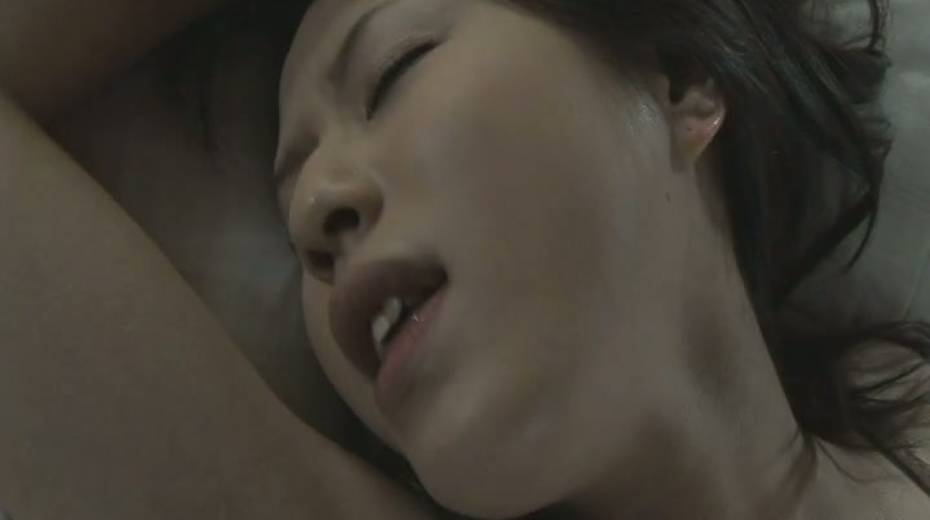Dude licks her sweet Japanese punani and fucks it with fingers - 9. pic