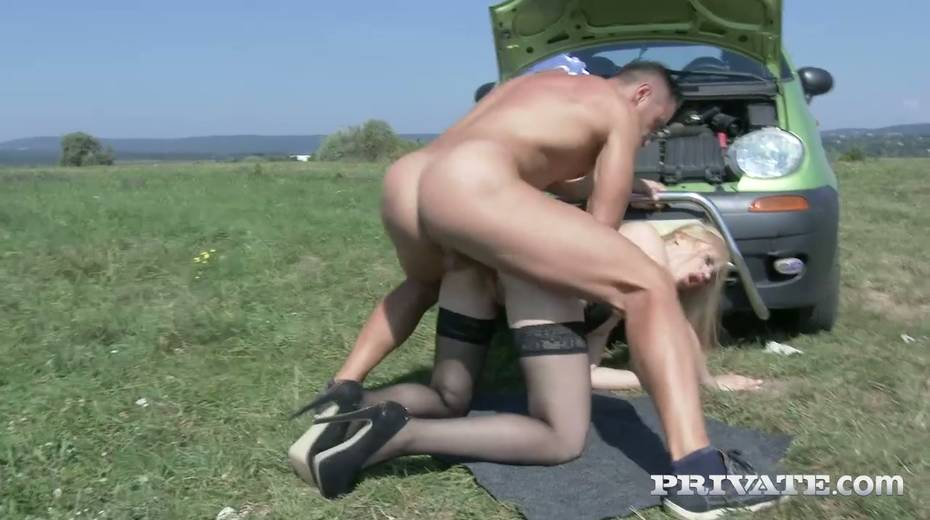 Super sexy fellow traveler Alana Moon is fucked hard in the field - 27. pic