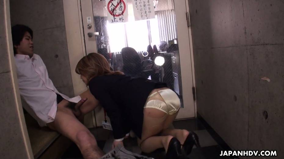 Naughty Asian chick Yuria Takeda gives a blowjob in the interview - 19. pic