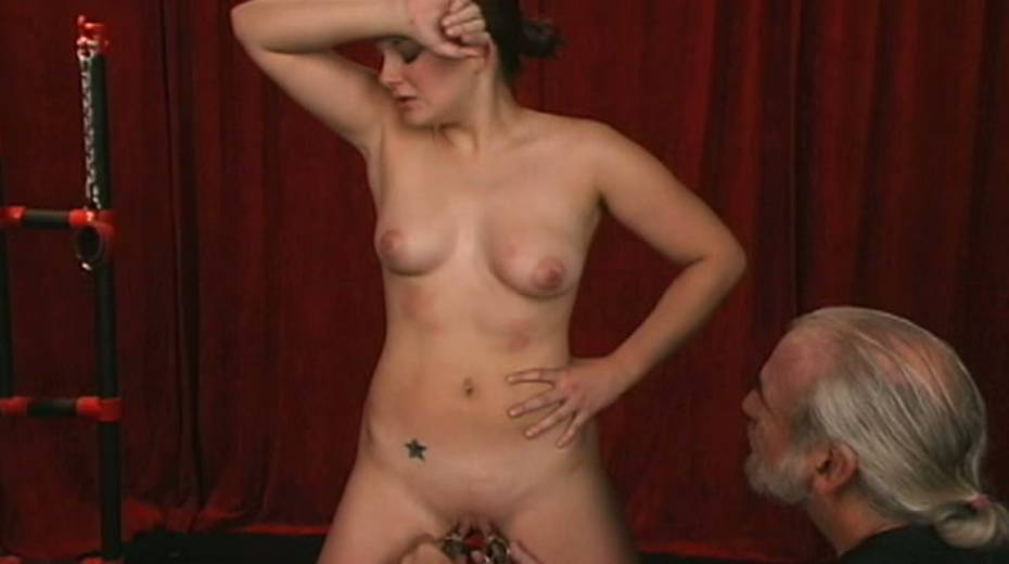 Cunning master uses clover clips on her nipples with some weights - 15. pic