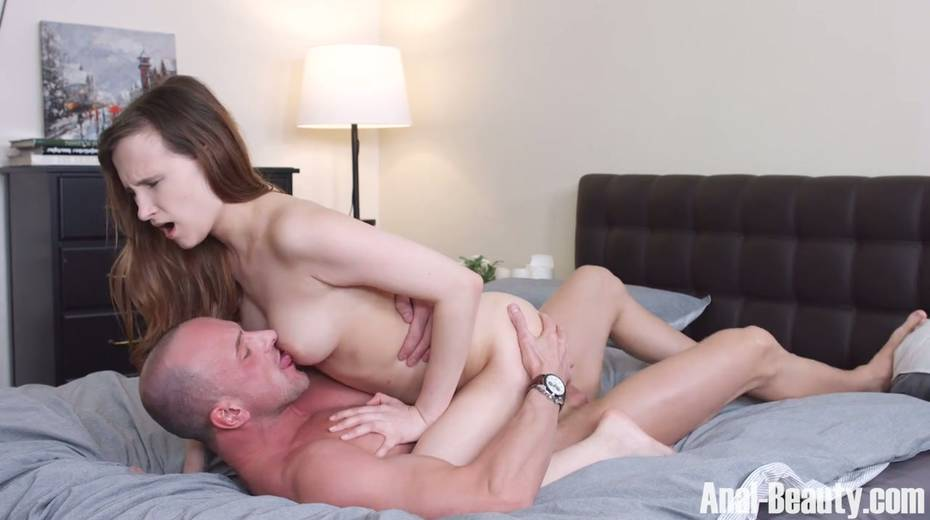 Seductive girlfriend Stasya Stoune takes cum in her opened mouth - 8. pic
