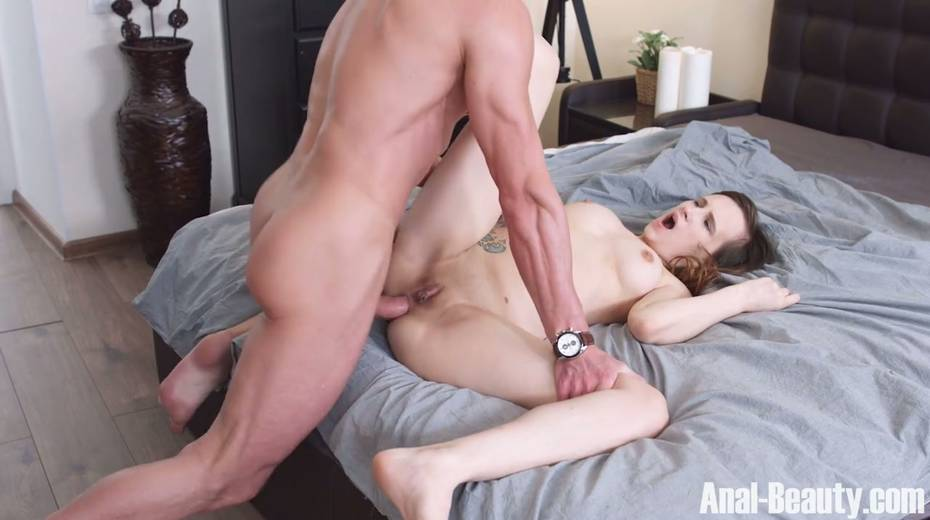Seductive girlfriend Stasya Stoune takes cum in her opened mouth - 18. pic