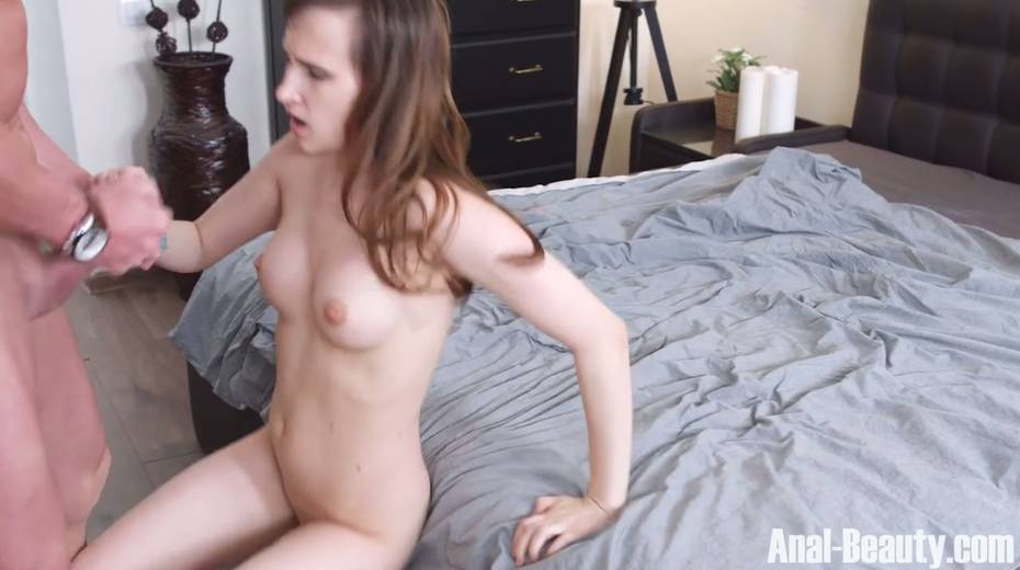 Seductive girlfriend Stasya Stoune takes cum in her opened mouth - 20. pic