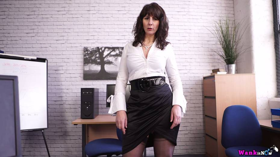 Middle aged secretary Toni Lace  masturbates her pussy in the office - 3. pic
