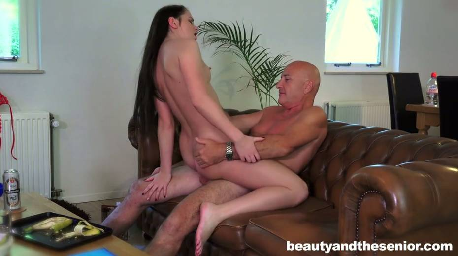 Young gal Kittina Ivory is having 69 sex with elder bald headed dude - 7. pic