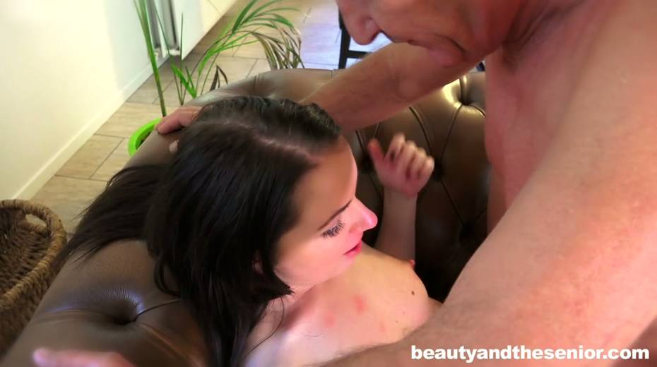 Young gal Kittina Ivory is having 69 sex with elder bald headed dude - 15. pic