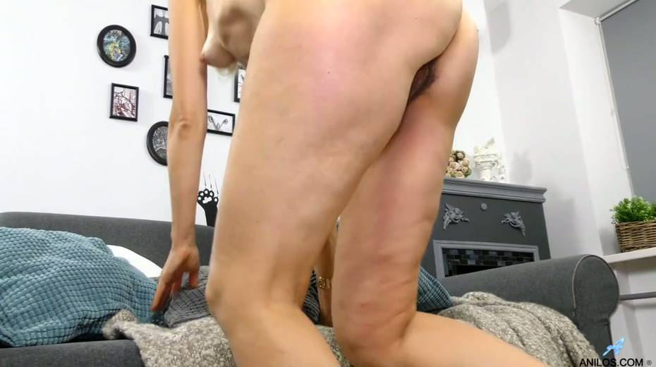 Mature blonde Diana Gold is finger fucking her wet and whorish punani - 15. pic
