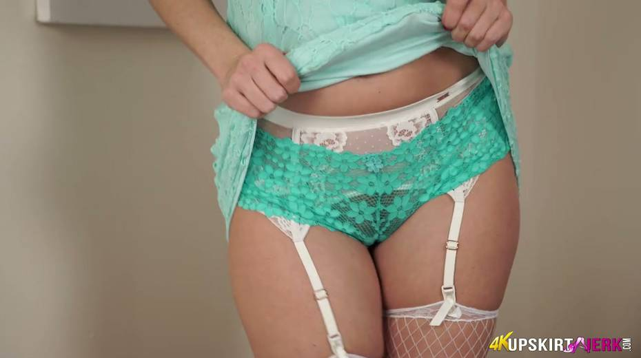 British housewife Sophia Smith is flashing her tasty looking pussy upskirt - 14. pic