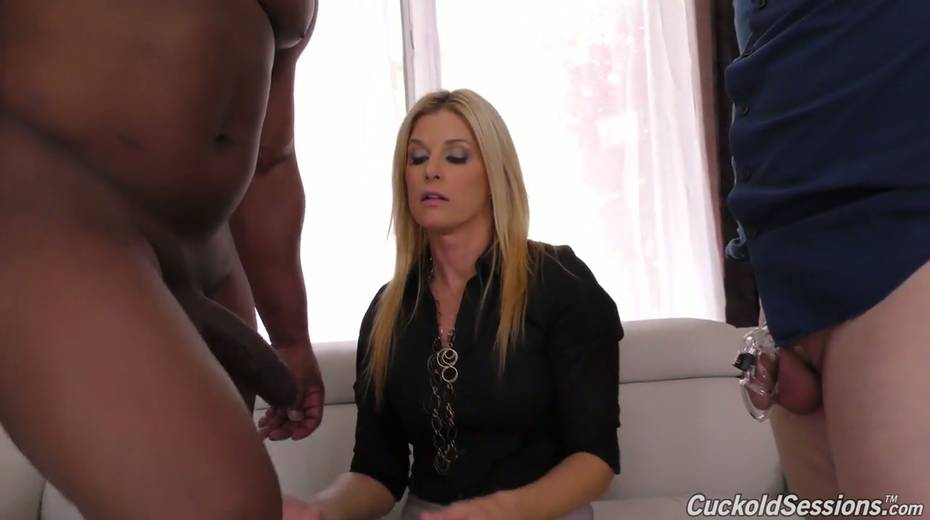 Sexologist India Summer goes black in front of her nerdy client - 6. pic