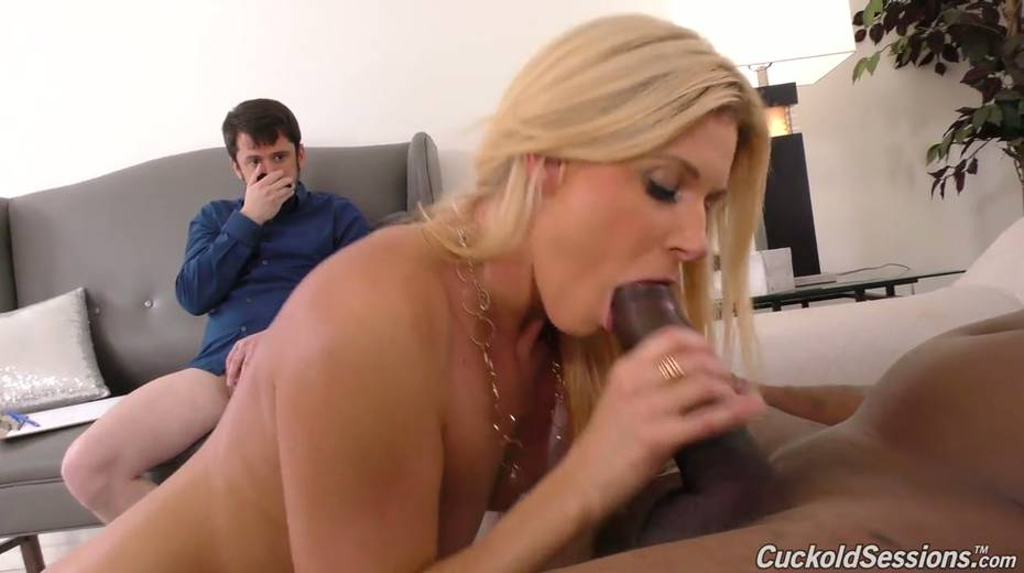Sexologist India Summer goes black in front of her nerdy client - 13. pic