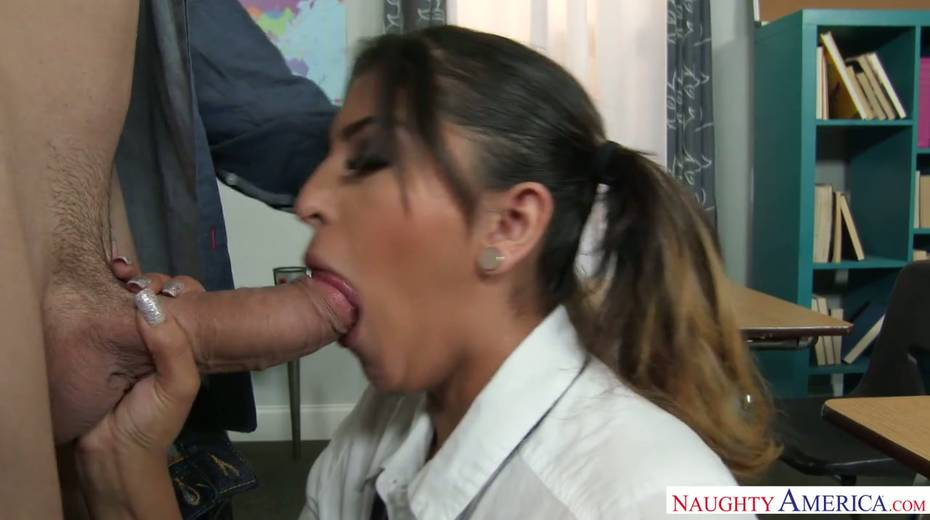 Spoiled college chick Sophia Leone takes teacher's dick in her fresh cunt - 5. pic