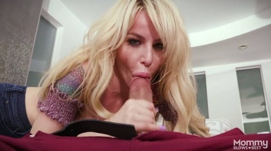 King size dick is everything skilled sucker Danielle Derek needs right now - 9. pic