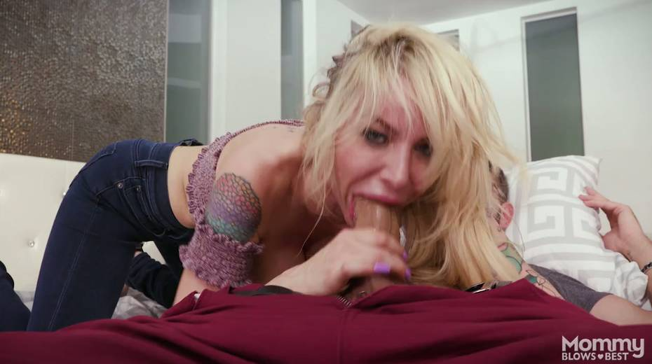 King size dick is everything skilled sucker Danielle Derek needs right now - 13. pic