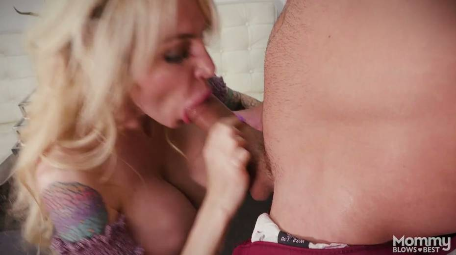 King size dick is everything skilled sucker Danielle Derek needs right now - 22. pic