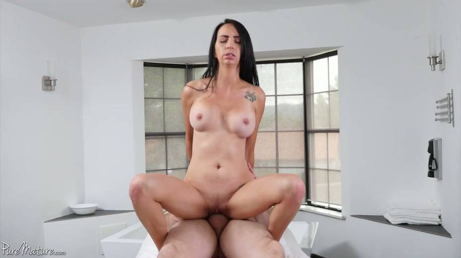 Sensual girlfriend Colette Adams takes a dick in her pinkish pussy - 22. pic